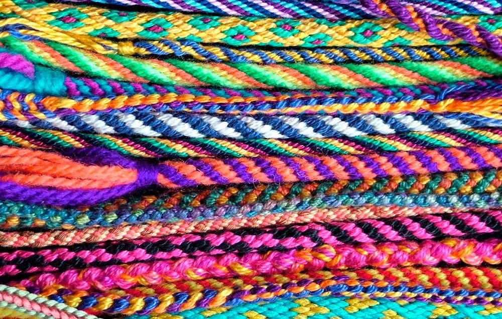 разноцветные шнуры